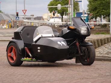 http://www.wilma-roger.nl/BMW-K100/zwartRV.jpg